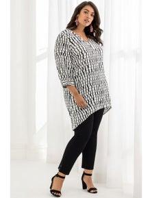 Beme 3/4 Sleeve Geo Print Longline Shirt