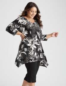 Curve Society 3/4 sleeve ring detail print tunic