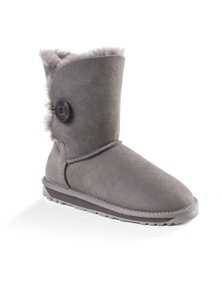 Ozwear UGG Womens Classic Short Button Boots