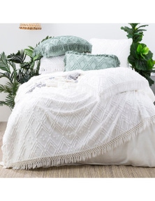 Park Avenue Medallion 100% cotton Tuft Bed Cover set
