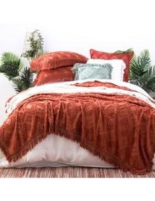 Park Avenue Medallion 100% cotton Tuft Bed Cover set