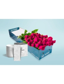 Mr Roses 20 Long Pink Roses & Candle & Hand Cream