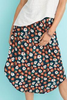 Capture Scoop Hem Pull on Skirt