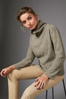 Capture Winter Knit High Neck Sweater