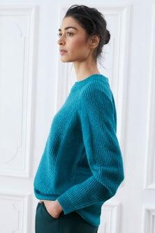 Emerge Ribbed Crew Neck Sweater