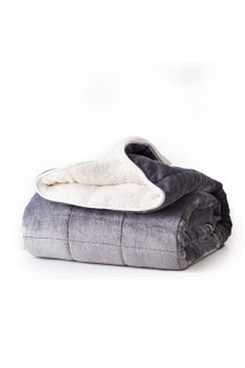 DreamZ 9kg sherpa and Flannel Weighted Blanket