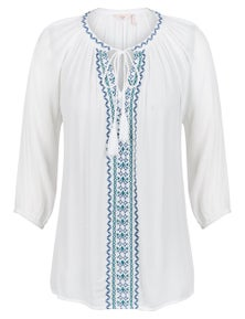 3/4 SLEEVE EMBROIDERED FRONT TASSLE BLOUSE