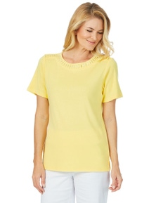 STACEY TEE NECK DETAIL