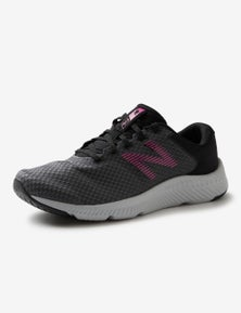 New Balance Womens W413V1 Sneaker.