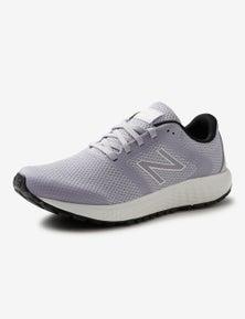 New Balance Womens 420 Sneaker.